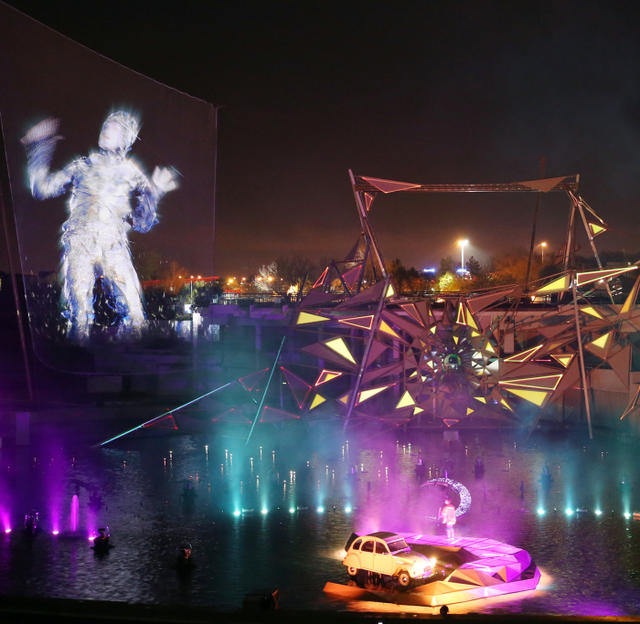 La nouvelle aquaféerie du parc du Futuroscope a été conçue et réalisée par le Cirque du Soleil. (Photo NR, Patrick Lavaud)