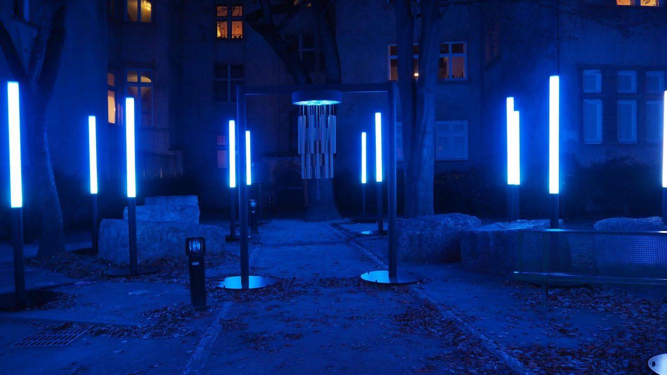 CHIMES_image Lyon noir et bleu